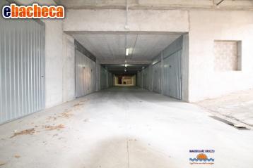box garage in vendita a..