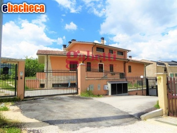 Anteprima Villa a L'Aquila di 200…