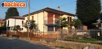 Anteprima Villa a Gallarate di 180…