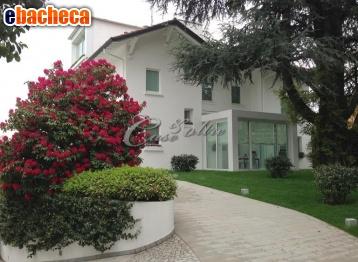 Anteprima Villa a Cantù di 845 mq