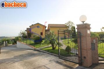 Anteprima Villa a Tortoreto di 220…