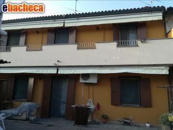 Casa indipendente con bagno a ripoli for Piani casa 1800 a 2200 piedi quadrati