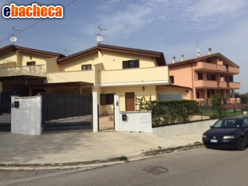 Anteprima Villa con box a Pianella
