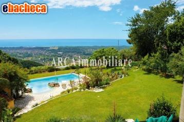 Anteprima Villa a Montignoso